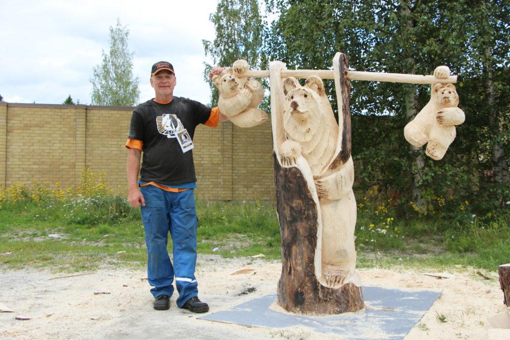 Karhufestivaalit-veistokilpailun voittaja Markku Tuominen.