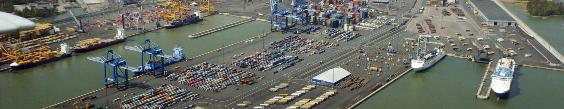 Elinkaarilaskennassa otetaan huomioon myös kuljetuskulut. Kuvassa Vuosaaren satama. Kuva: Riku Lumiaro.